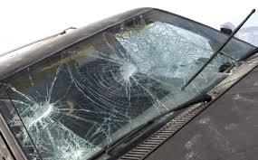 Trapani, danneggia 15 auto a colpi di bastone: ventenne arrestato