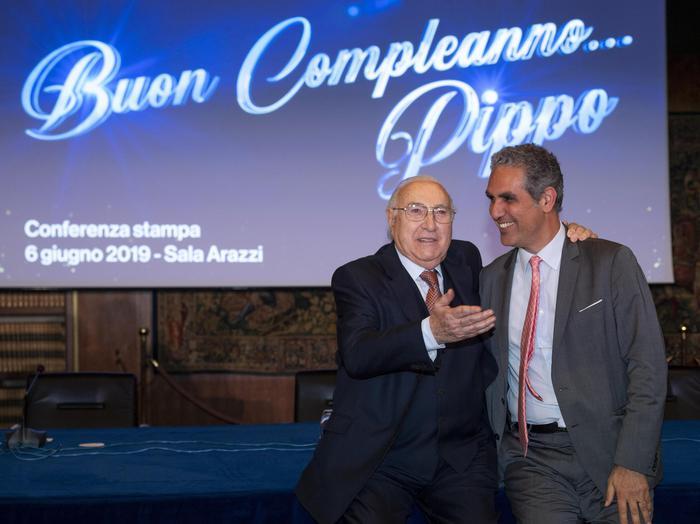 Pippo Baudo 60 anni di carriera in tv e 83 anni di età: show domani su Raiuno