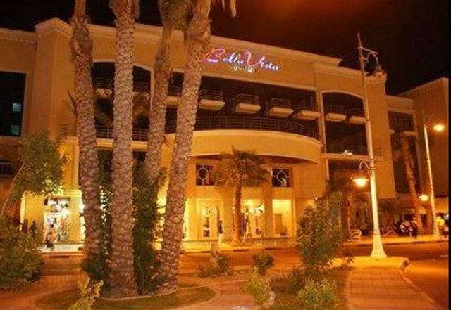 Attacco terroristico in un Resort nel mar Rosso, commando spara su turisti: tre feriti