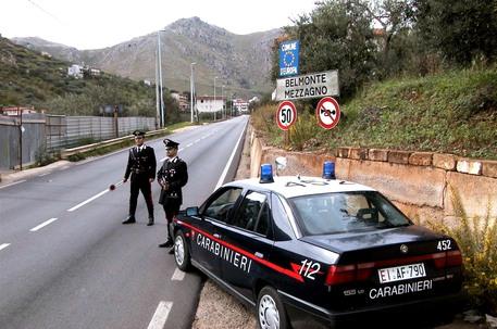 L'agguato a Belmonte Mezzagno, vittima operata: non è in pericolo di vita
