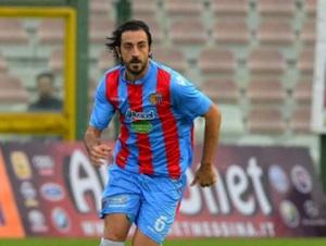 Il Catania si arrende al Benevento capolista all'81'