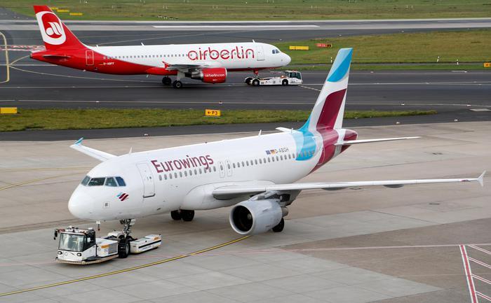 Turbolenze sul volo Lamezia - Berlino, 8 feriti: una donna è grave