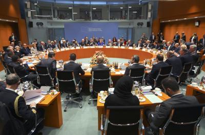 La crisi in Libia, a Berlino c'è il sì per il cessate il fuoco ed embargo per le armi