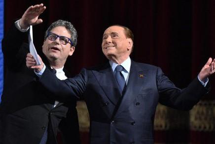 Palermo, standing ovation per Berlusconi: torneremo al governo