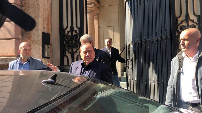 Salvini vede Berlusconi: nel Centro destra si farà fronte comune di opposizione
