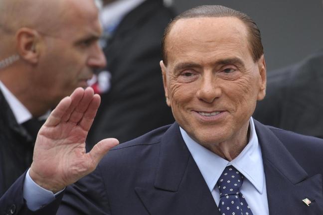 """Unioni civili, Berlusconi: """"Sono stato frainteso, la legge non si tocca"""""""