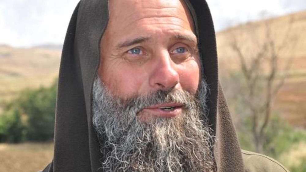 Biagio Conte protesta a Palermo per i senza casa Musumeci lo incontra