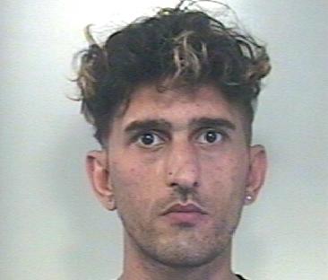 Avola, prelevato e portato in carcere per estorsione e rapina
