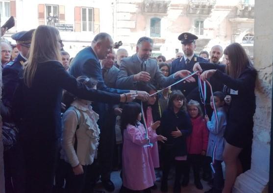 Modica, taglio del nastro per la nuova Biblioteca comunale a Palazzo Moncada