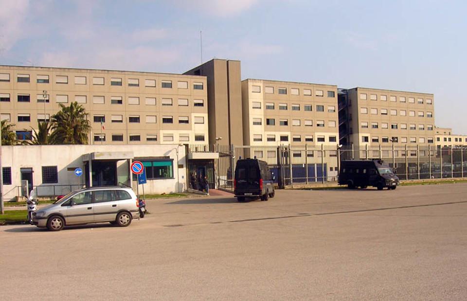 Catania, un agente di polizia penitenziaria ferito al carcere Bicocca