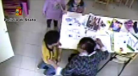 Picchia un bambino autistico, sospeso maestro nel Calabrese