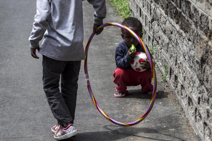 Cosenza, calcio a bimbo immigrato perchè si era avvicinato al figlio