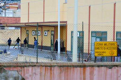 Il sindaco di Messina con un'ordinanza chiude l'hotspot: 5 giorni per lo sgombero