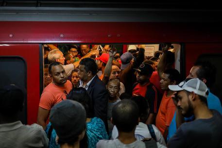 Venezuela, un blackout 'spegne' l'80% di Caracas