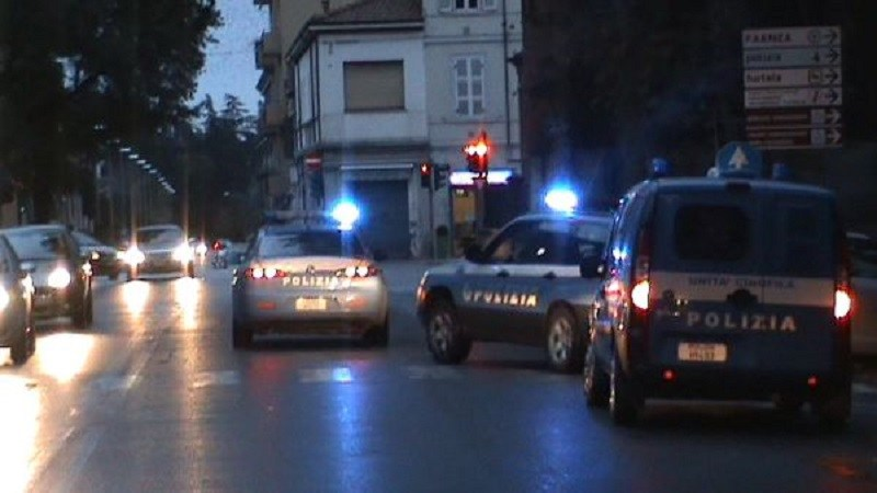 Controlli anticrimine della polizia in tutto il territorio di Lentini