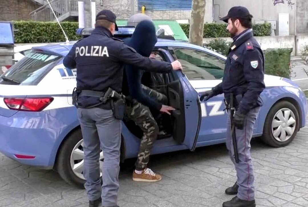 Droga ed estorsioni, arrestati esponenti del clan Trigila di Noto
