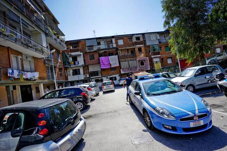 Camorra: blitz a Scampia e Secondigliano, 27 misure cautelari