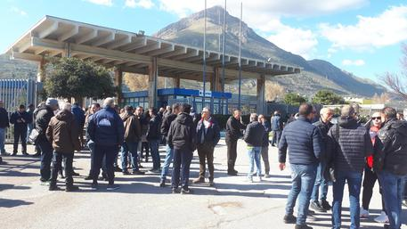 Scandalo Blutec, operai in presidio a Termini Imerese