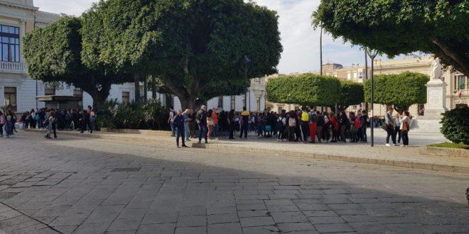 Boato a Reggio Calabria, alunni in strada: era esplosione di un residuato