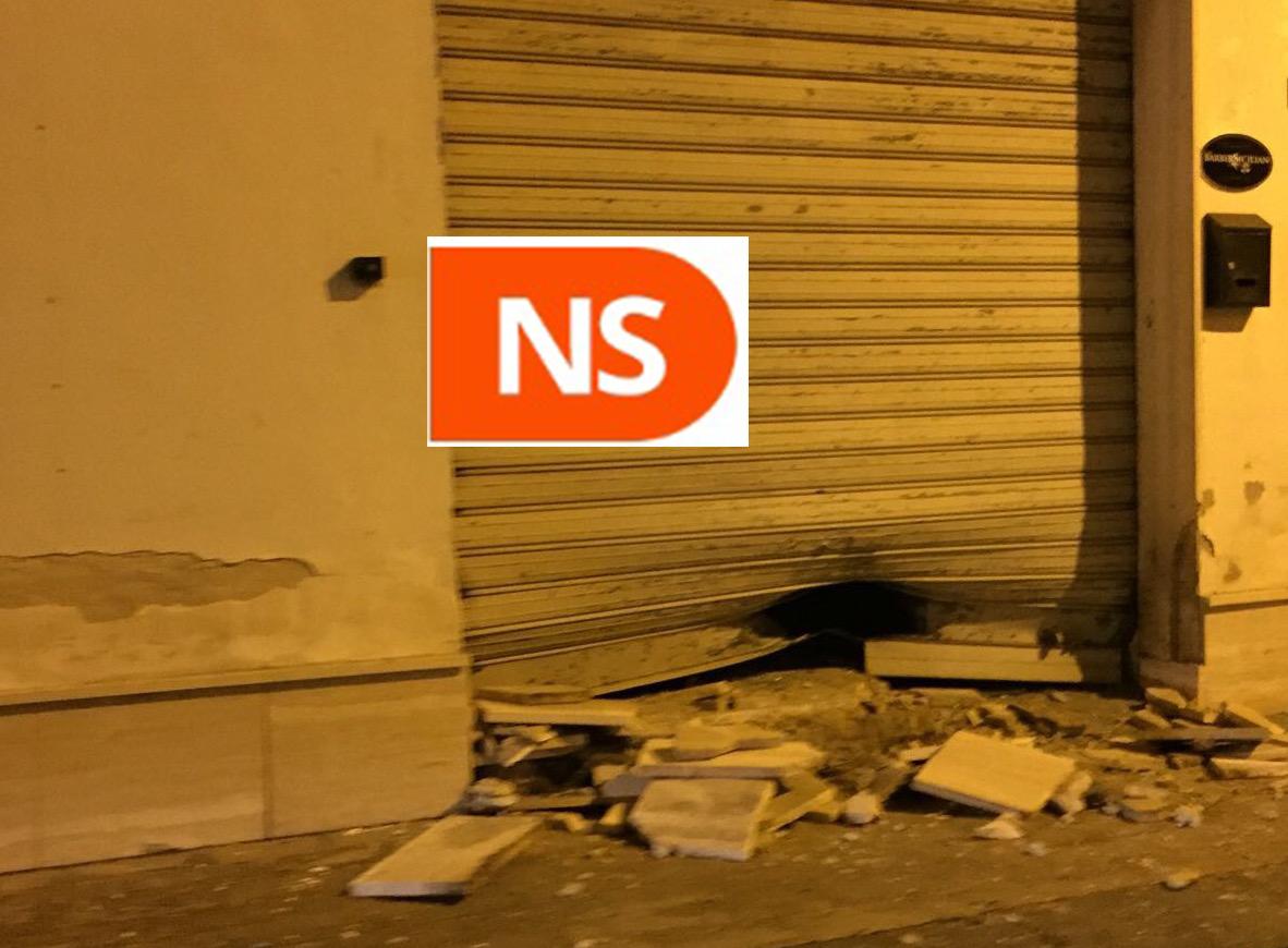 Un'altra bomba a Siracusa, preso di mira un barbiere in via Torino
