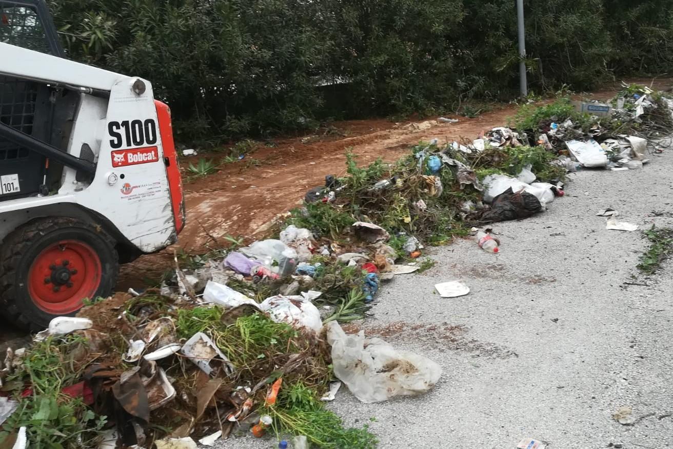 Vittoria, rimozione dei rifiuti abbandonati e bonifica del territorio