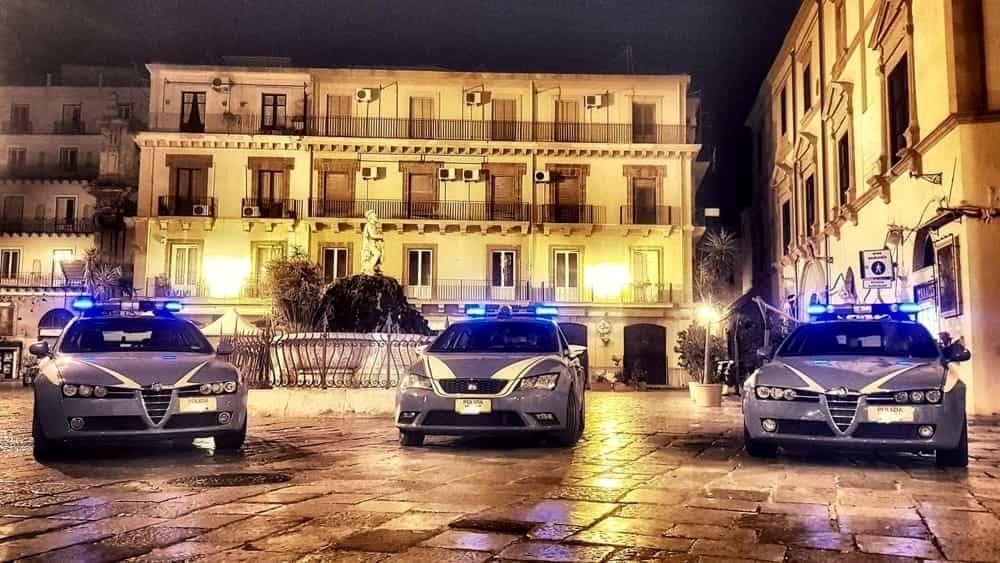 Le rubano la borsa in un locale, ventenne preso  a Palermo