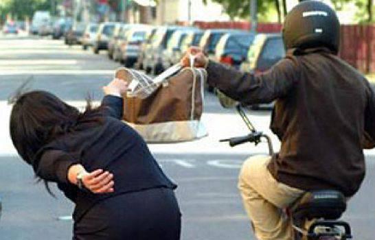 Furti e borseggi a Milano, sgominata gang di sudamericani