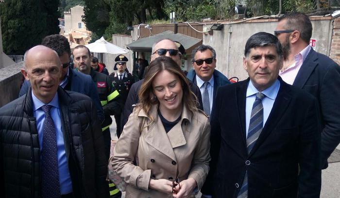 Un altro sopralluogo di Boschi a Taormina in vista del G7