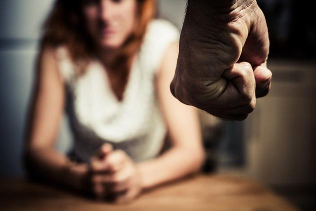 Botte alla moglie  ma non l'aveva mai denunciato: arrestato a Pachino