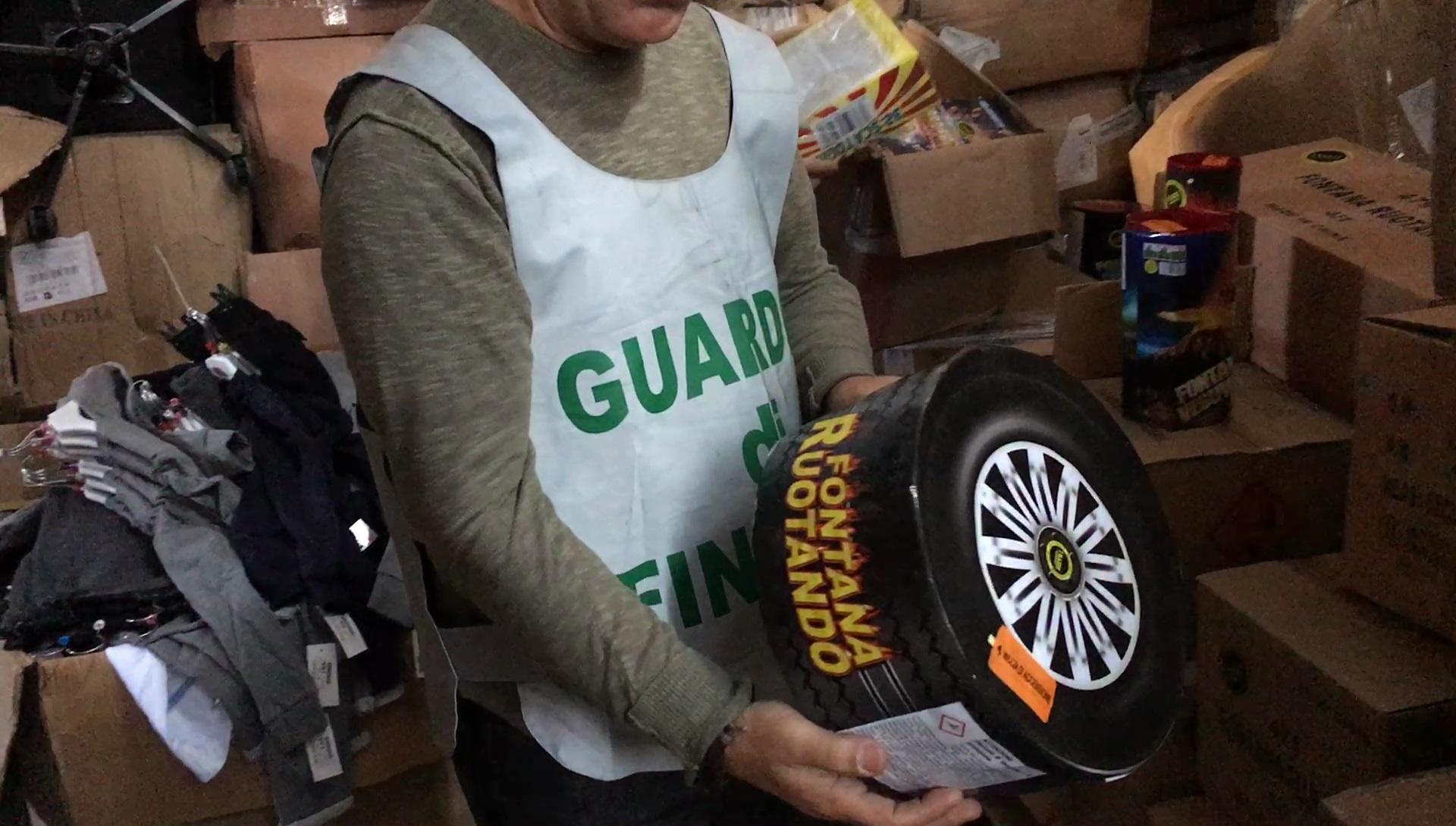 """Sequestrati nel Catanese due tonnellate di """"botti"""", 2 persone denunciate"""
