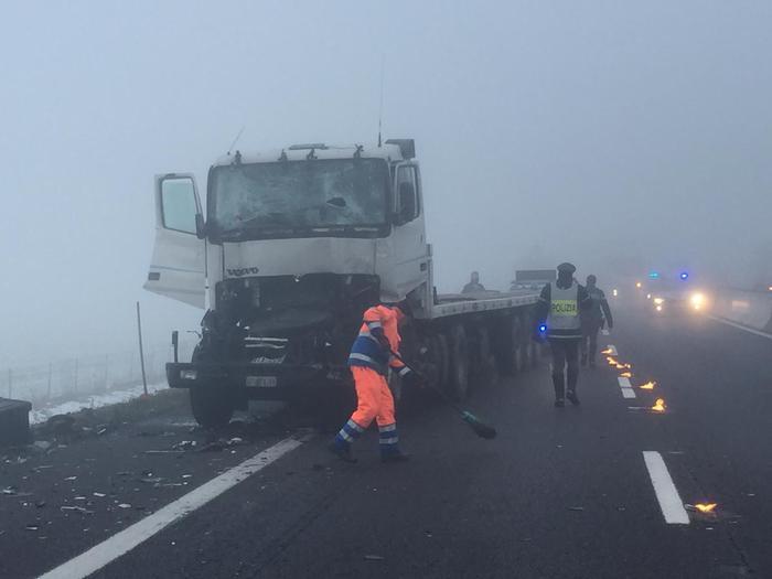 Carambola di auto in autostrada nel Bresciano: morto un bimbo di 4 anni
