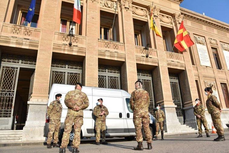 L'Esercito sanifica il municipio di Messina, poi il Palazzo di Giustizia