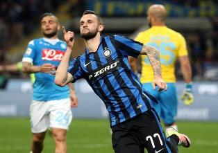 Il Napoli perde con l'Inter, addio rincorsa scudetto