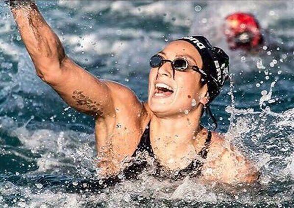Medaglia d'argento con Rachele Bruni nella 10 chilomerti di nuoto