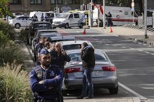 Bruxelles, prende in ostaggio 15 persone al Carrefour: poi lo arrestano