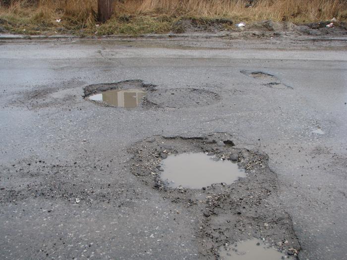 """Siracusa, Sorbello e Vinci: """"Troppe buche sul manto stradale"""""""