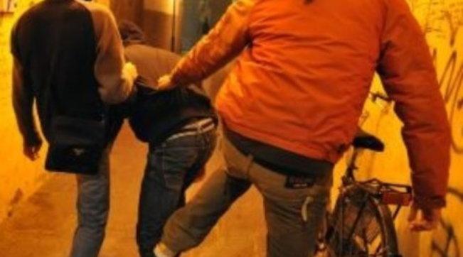 Bullismo, bambino di 10 anni picchiato e filmato in provincia di Avellino
