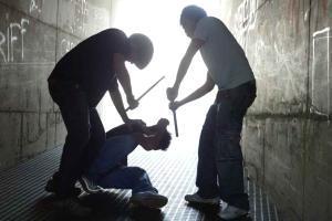 Milano, rissa nella notte: accoltellati due filippini