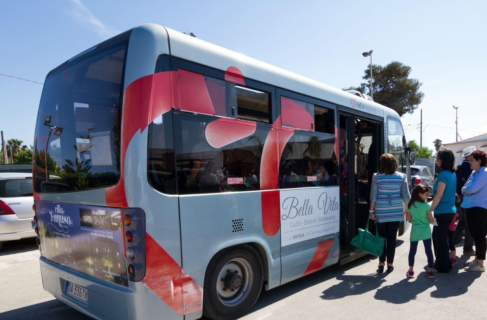 Siracusa, bus navetta nel week end fino all' 1 a Ortigia