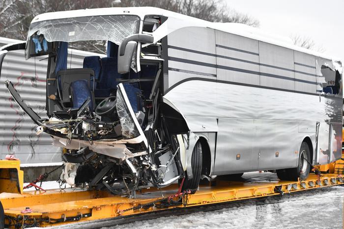 Bus si schianta vicino Zurigo: morta un'italiana