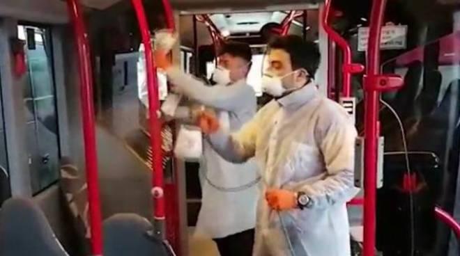 I sindacati: bus gratis in Sicilia per pompieri e forze di polizia
