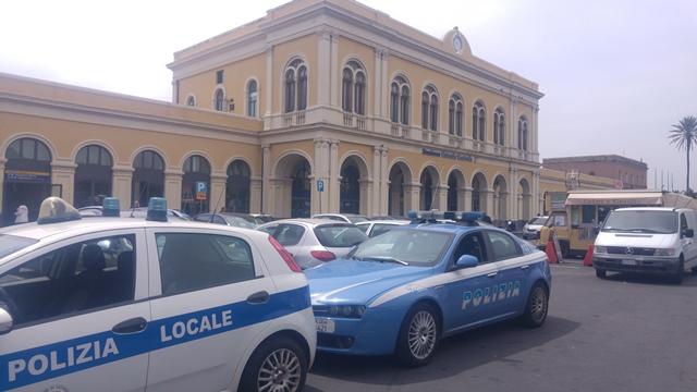 Buttato fuori casa, pernotta in albergo a Catania: ma senza pagare