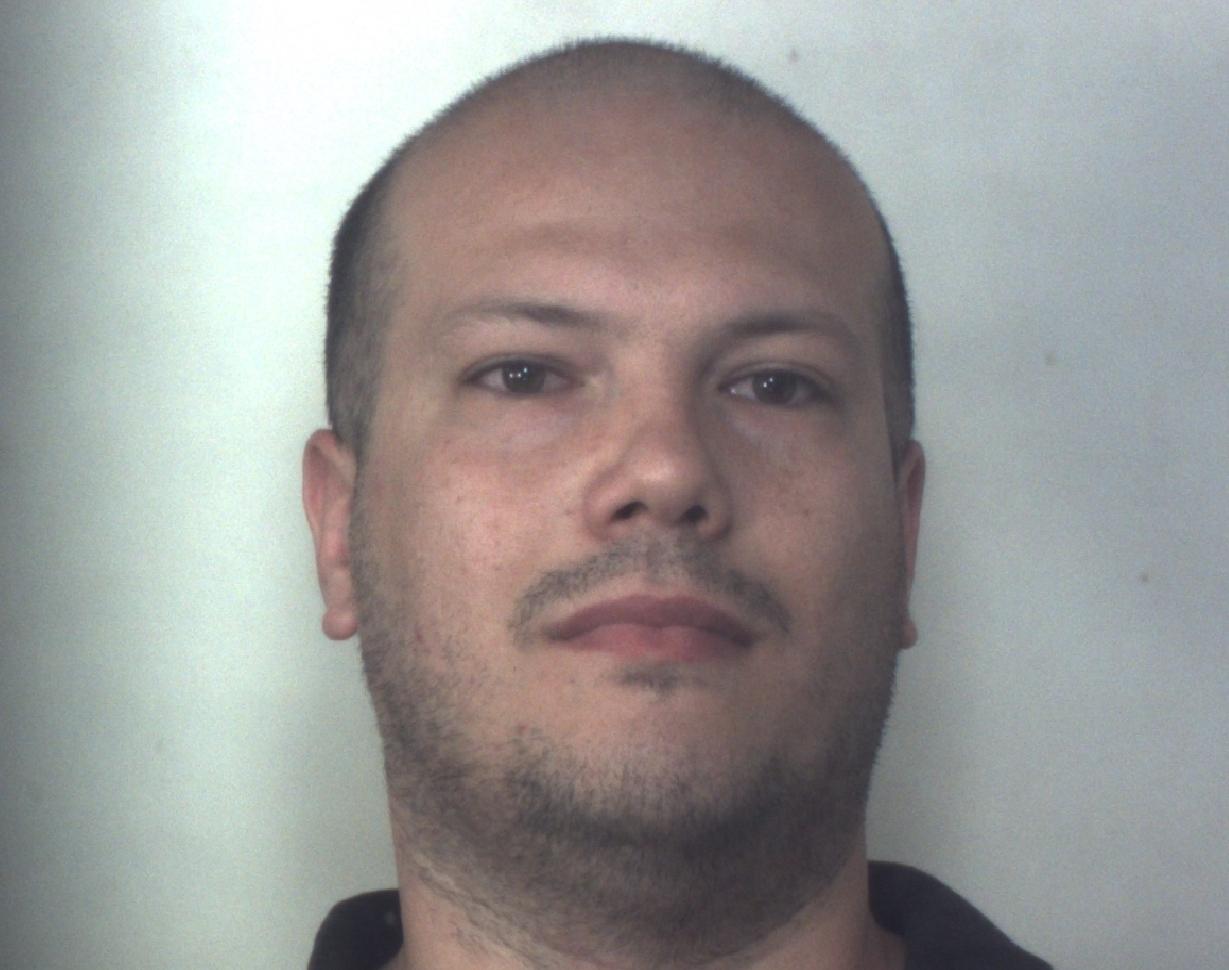 In casa aveva un mini market della droga: arrestato a Siracusa