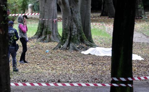 Cadavere carbonizzato di una donna trovato a Roma