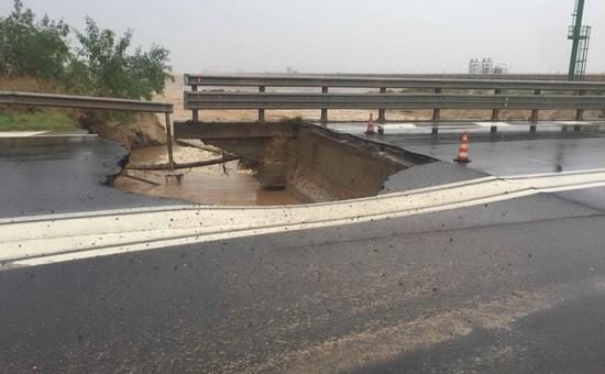 Crolla un ponte nel cagliaritano per il maltempo
