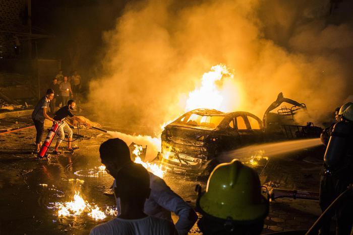 Auto corre contromano al Cairo e provoca 19 morti e 30 feriti