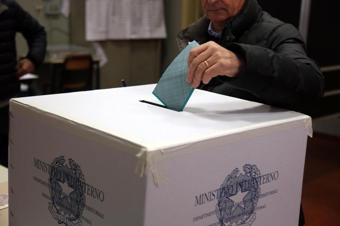Regionali, in Calabria un milione e 800 mila elettori chiamati alle  urne