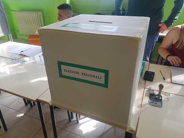 Regionali in Calabria, presentate liste e candidati: 4 gli aspiranti governatori