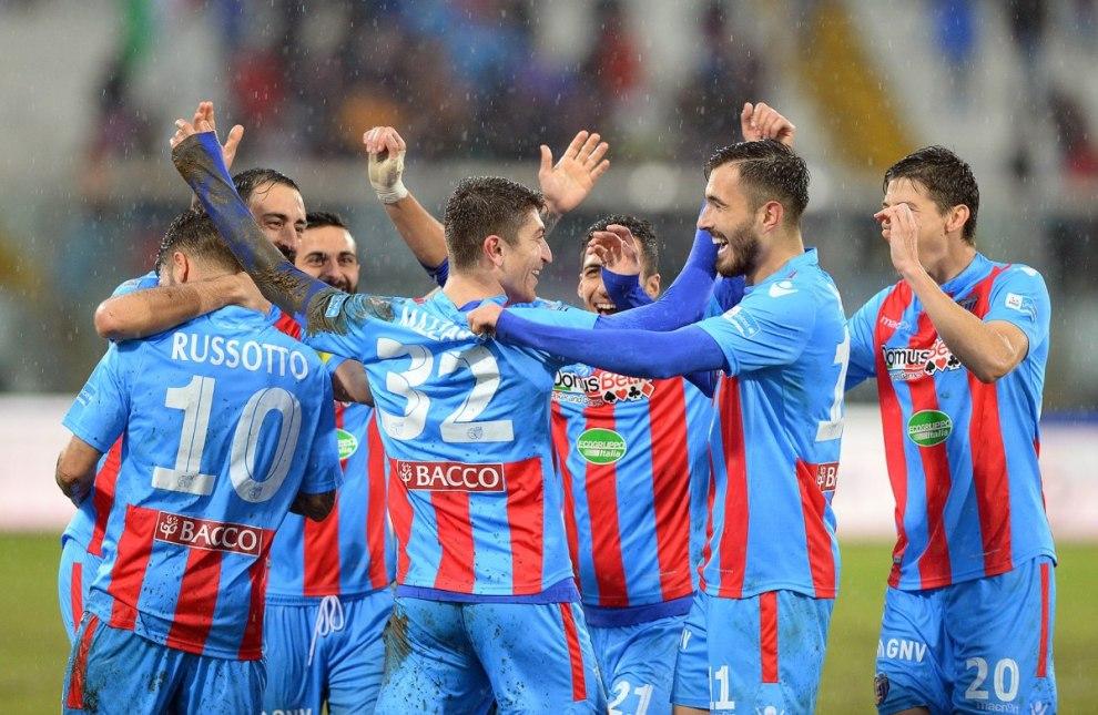 Calciatori del Catania da gennaio senza stipendi mettono in mora la società