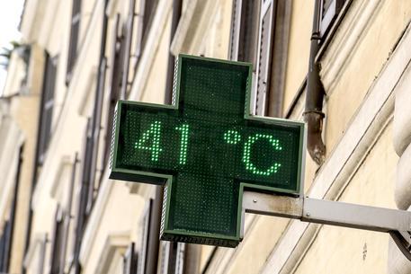 Caldo record, è allarme ozono: nel Casertano 53 gradi